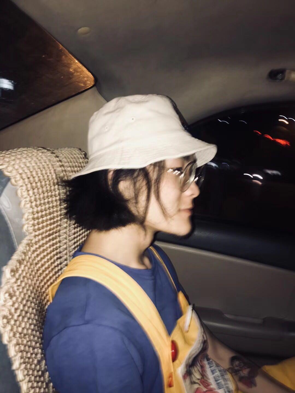 车子里的我